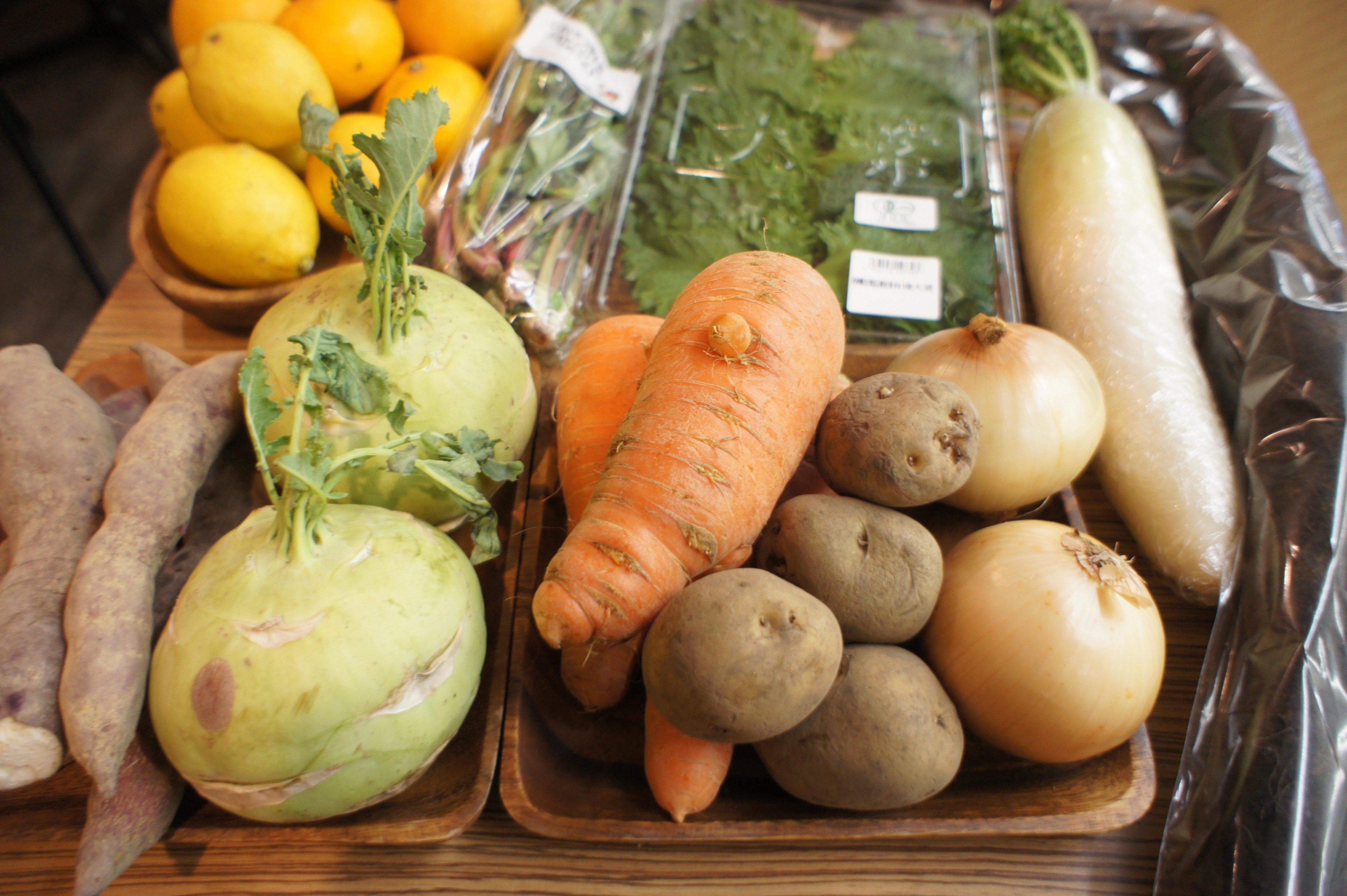季節の旬な有機野菜を仕入れています!!